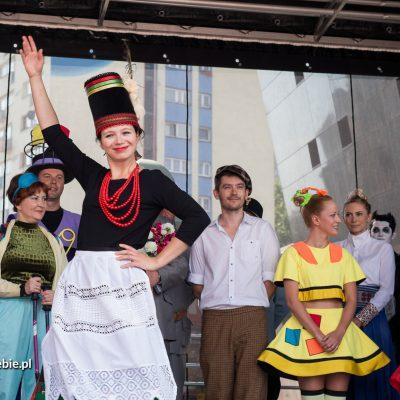 Happening w ramach 120-lecia Teatru Zagłębia. Fot. Paweł Matyjaszczyk
